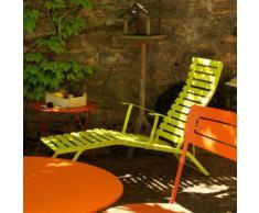 Chaise longue FERMOB multiposition en acier laqué lattes galbées verveine BISTRO