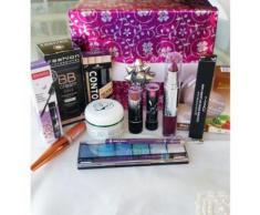 Coffret Cadeaux Maquillage Box St Valentin + De 100¿ De Produits